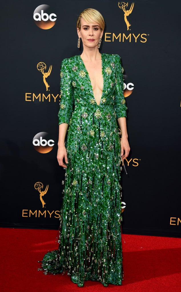 emmys-red-carpet-2016-red-carpet-sarah-paulson-emmy-awards-2016