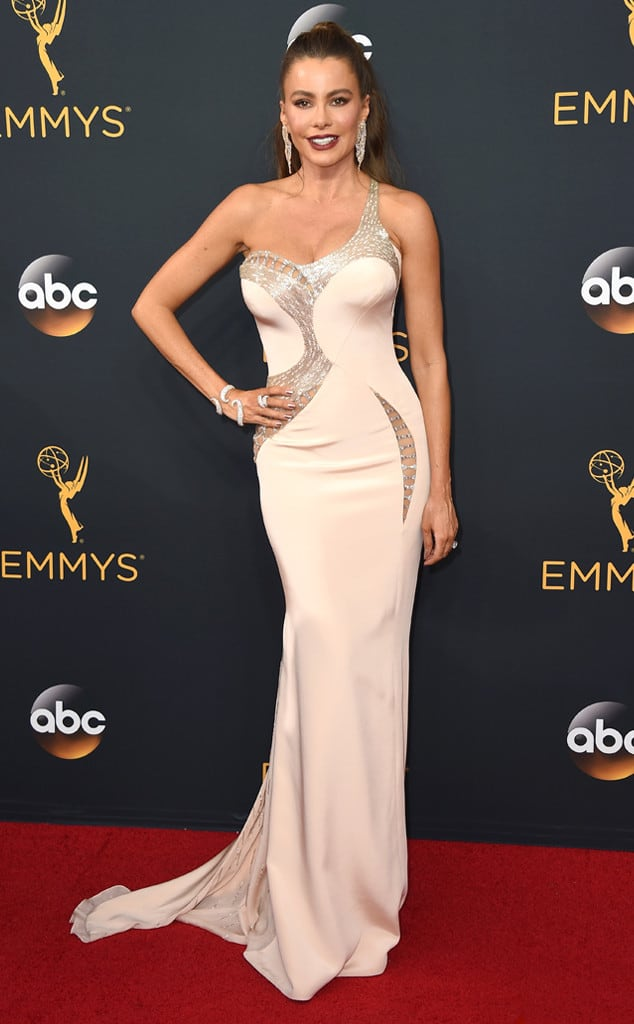 emmys-red-carpet-2016-red-carpet-sofia-vergara-cm-91816