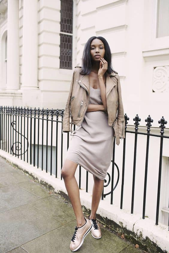 nude-sneakers-outfit-1