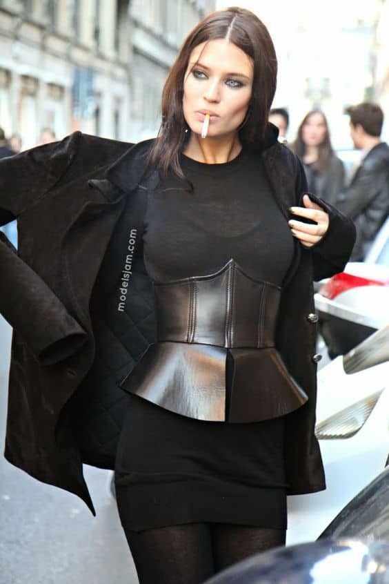 the-corset-trend-2017-street-style-18