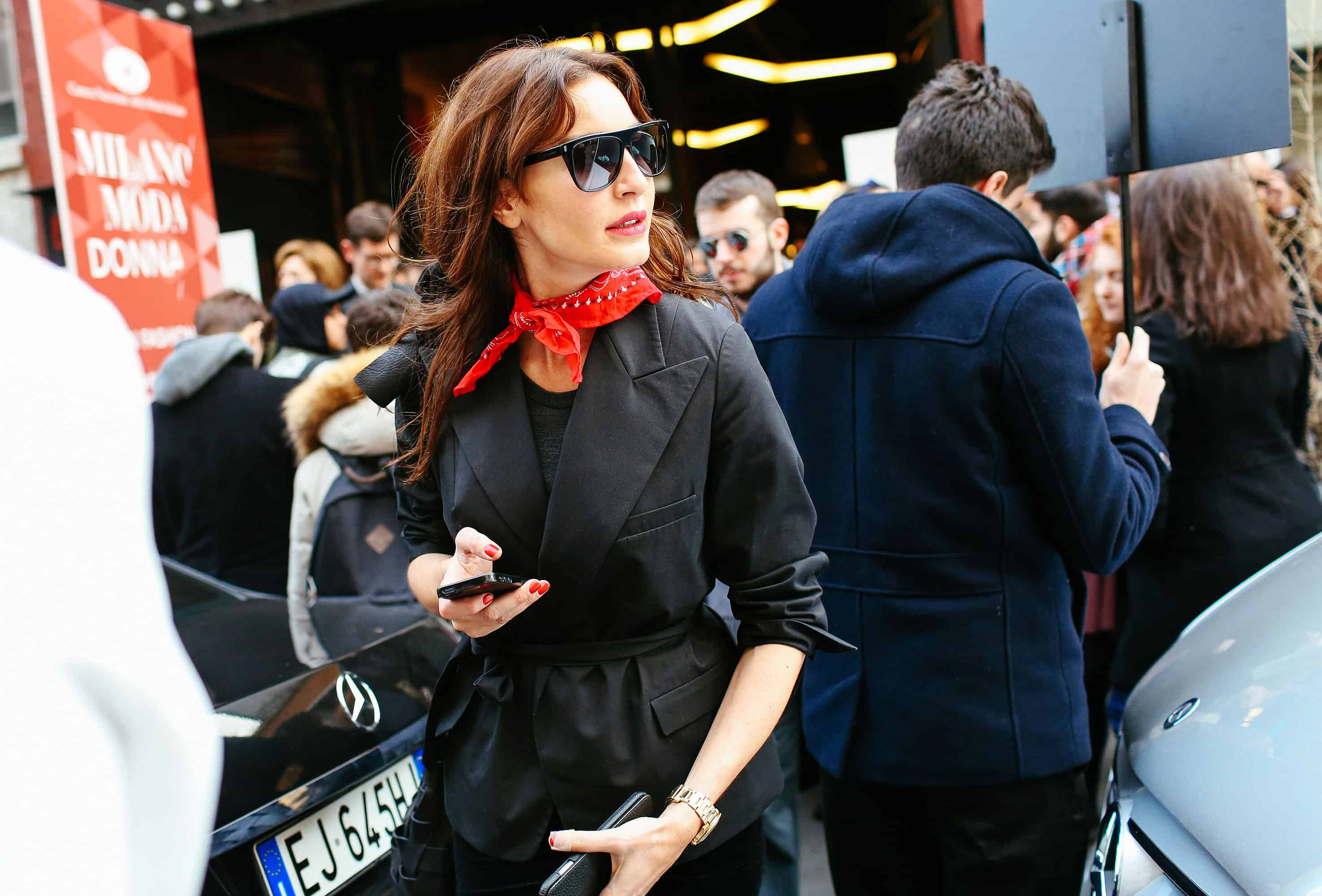 the-neck-scarf-trend-18