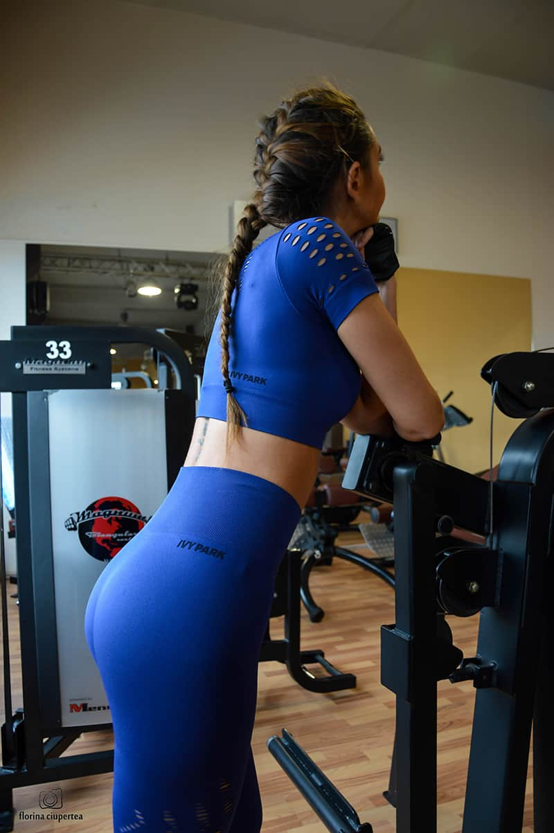 dana-straut-gym-outfit-ivy-park-thefashiontag-_0969