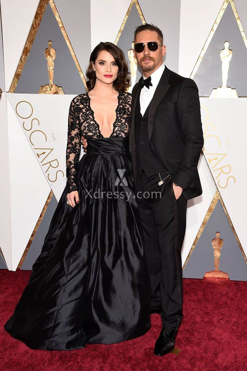charlotte-riley-plunging-black-lace-and-satin-sheer-long-sleeve-gown-oscars-2016-1