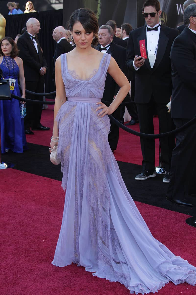 mila-kunis-oscar-red-carpet-sheer-lavender-lace-long-evening-prom-dress