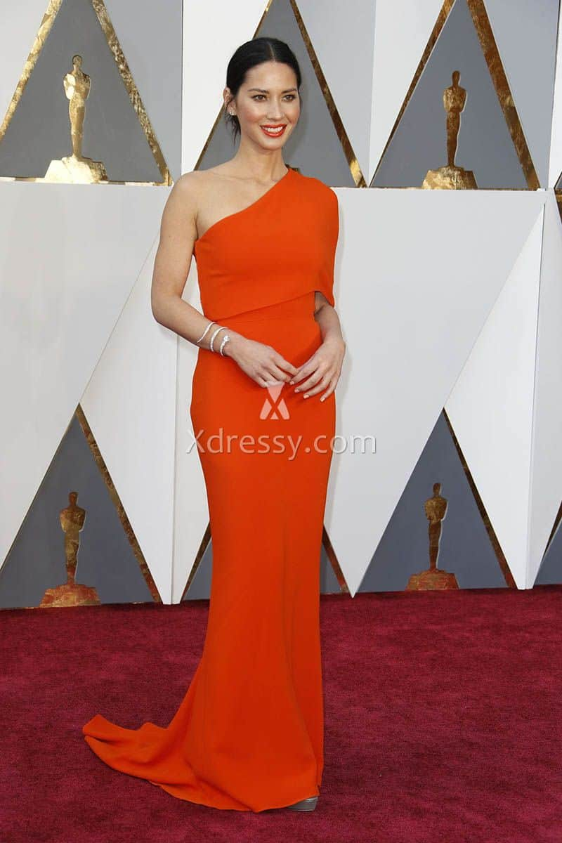 olivia-munn-one-shoulder-orange-mermaid-evening-dress-oscars-2016-red-carpet-1