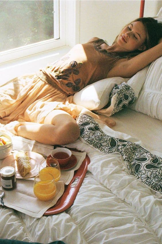 skincare-and-sleeping-routine-18