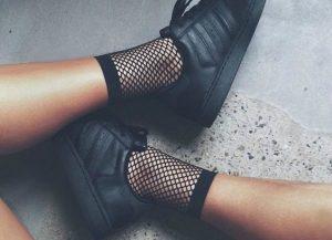 2017 Trend Alert: Black Sneakers