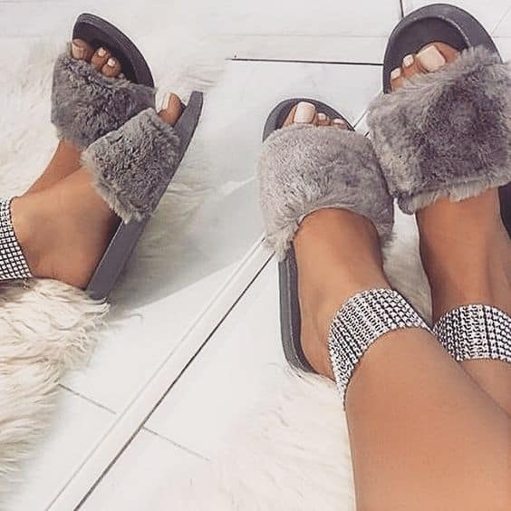 How to Wear Furry Slides picture