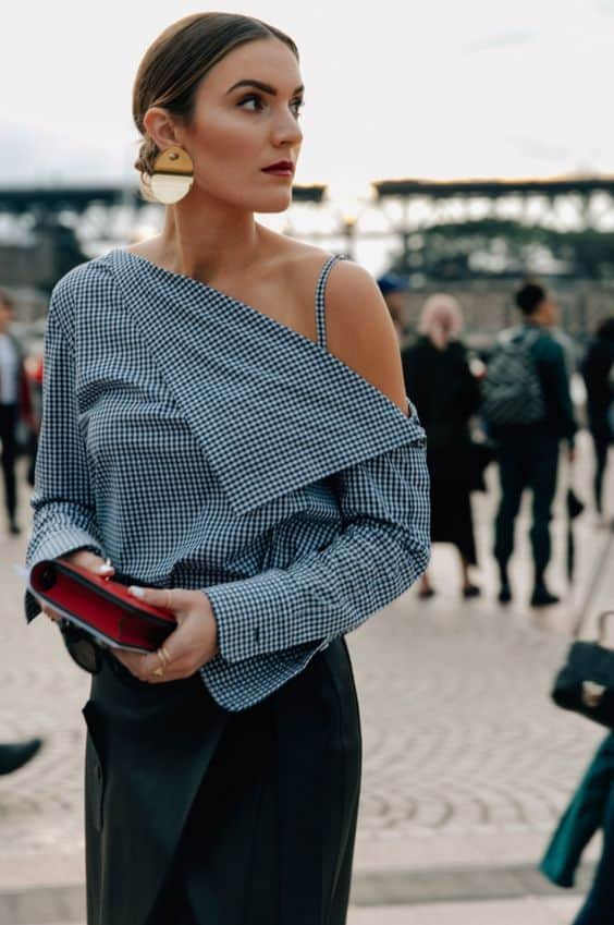 one shoulder trend