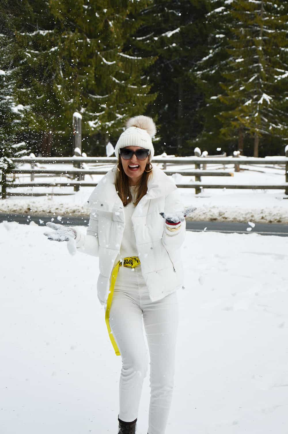 0f544ec17837d Winter White: How to Dress for a Skiing Trip | The Fashion Tag Blog